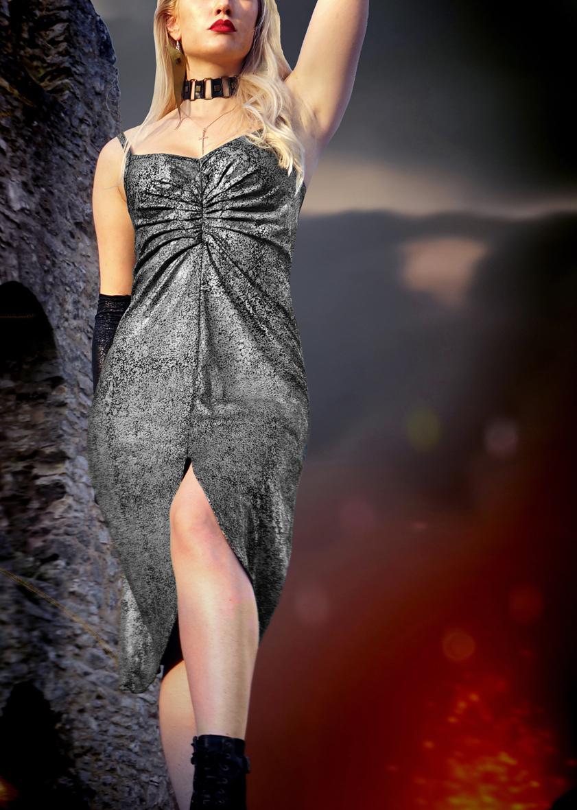 Venus Silver Dress von Ruß und Phosphor